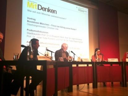 Podium   Die Professoren im Gespräch: F. Radermacher, J. Nida-Rümelin, K. Selle, E. Merk, I. Breckner (v.l.n.r.)