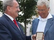 Gold an Gerhard Polt
