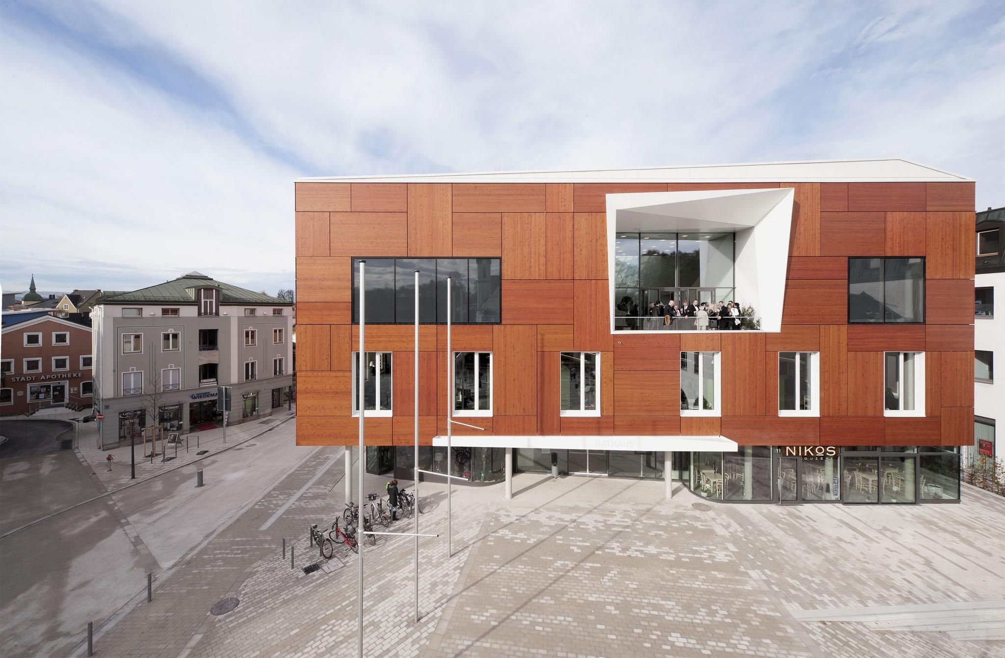 Rathaus Neubau und Platzgestaltung in Bad Aibling - muenchenarchitektur
