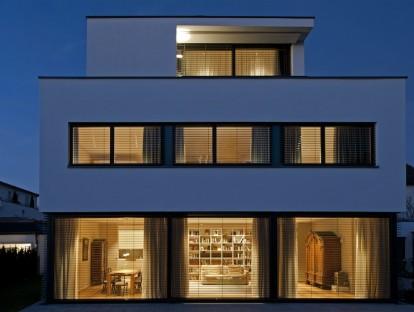 Bauhaus Einzelvilla | © H-I-M Villenbau