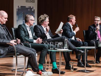 Das Podium: v.l.n.r.: Herwig Spiegl, Alain Thierstein, Boris Schade-Bünsow, Sascha Zander, David Christmann