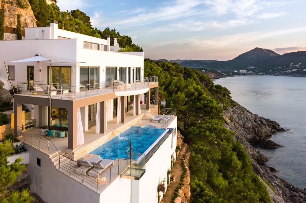 Moderne luxusvilla am meer  Villa am Meer - muenchenarchitektur