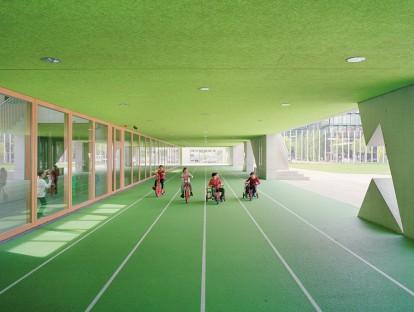 Die Grundschule am Arnulfpark des Architekturbüros Hess Talhof Kusmierz, München: Gewinner des DAM-Preises für Architektur in Deutschland 2014. (Foto: the pk Odessa)