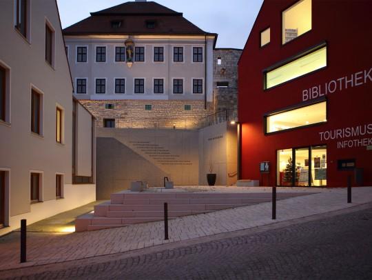 BILD:       Öffentliche Freiflächen des Burgberges