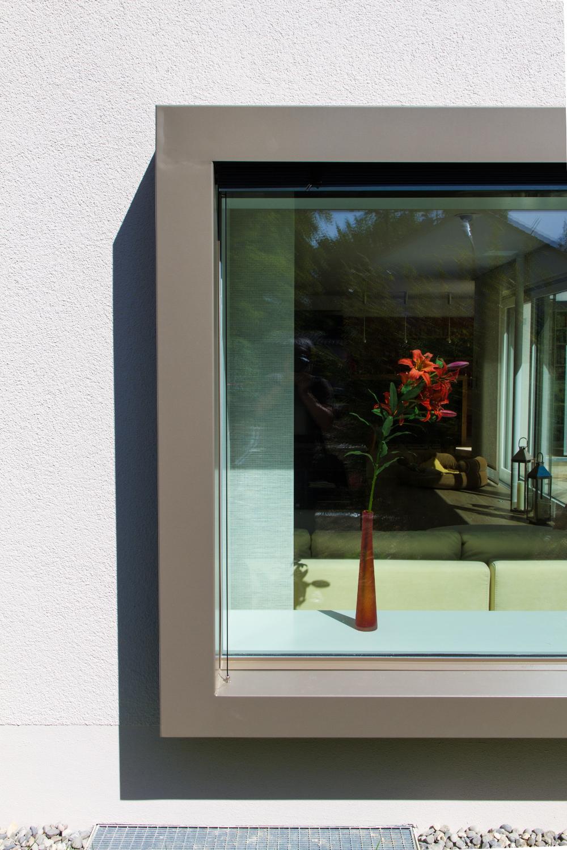 einfamilienhaus mit garage muenchenarchitektur. Black Bedroom Furniture Sets. Home Design Ideas