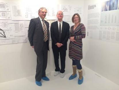 Mark Sarkisian (li.) und Bill Baker (re.) im Gespräch mit Gabriela Beck, muenchenarchitektur, © Nicola Borgmann