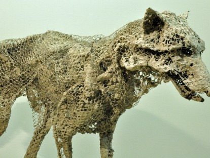1. Lupus - 2014 | Material: Eisen, Maschendraht & Beton | Maße: Länge 125 cm, Höhe 90 cm