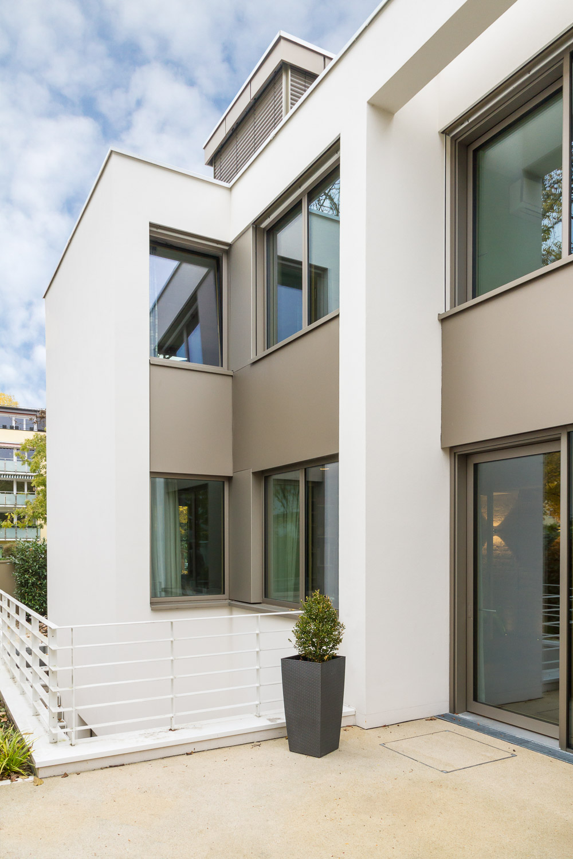 neubau eines einfamilienhauses mit carport. Black Bedroom Furniture Sets. Home Design Ideas