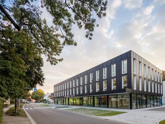 BILD:       Verwaltung und Kundenzentrum der Stadtwerke