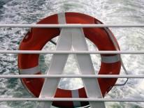 BILD:   Kultur-Schiff auf Brücke