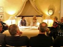 Die Mit-Talkgäste beteiligen sich am Gespräch