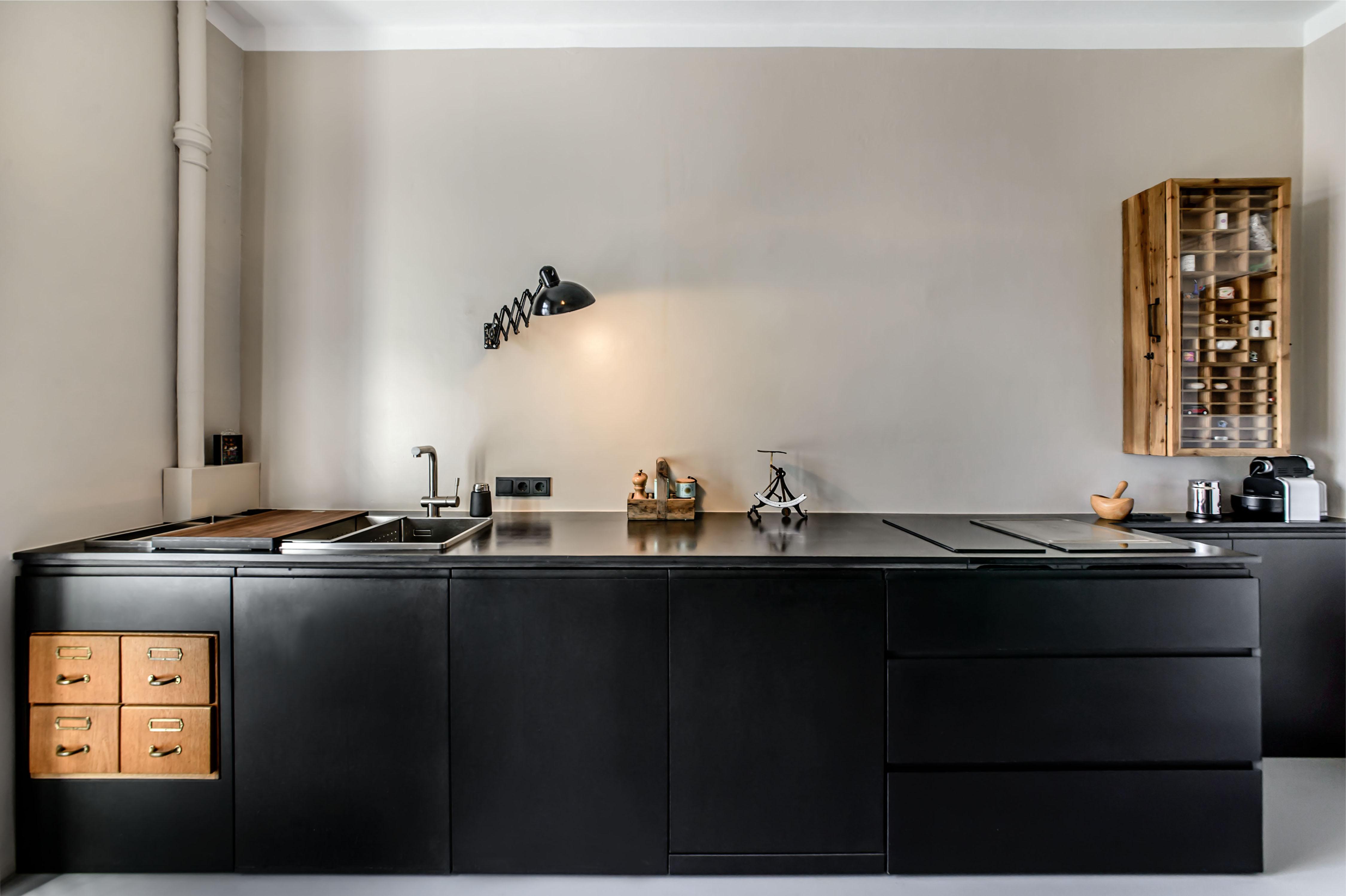 die schwarze k che muenchenarchitektur. Black Bedroom Furniture Sets. Home Design Ideas