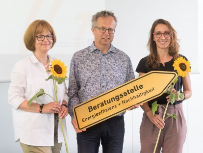 Fachberater und Architekten Petra Wurmer-Weiß, Ulrich Jung und Christina Patz. © Tobias Hase/ ByAK