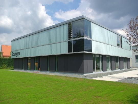BILD:       Bürogebäude in Töging