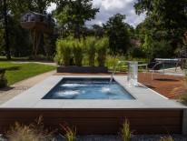 Minipool als Aqua-Lounge, Outdoor-Whirlpool und architektonisches Element in einem.