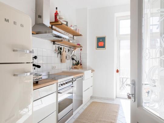 BILD:       Wohnküche mit Retro-Charme