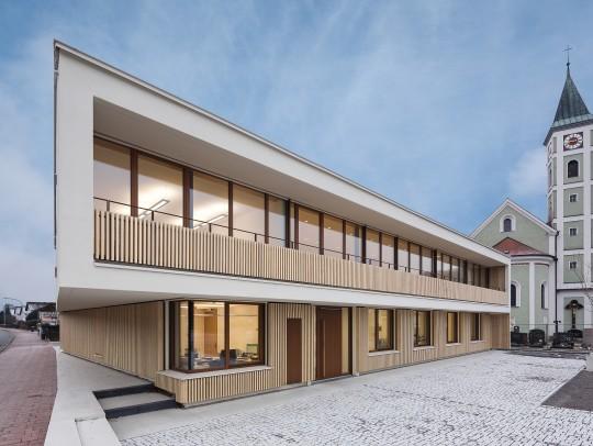 BILD:       Neubau Rathaus Zeitlarn