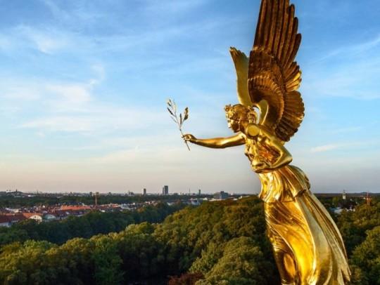 BILD:   München for Women only