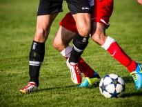 BILD:   Am Ball bleiben