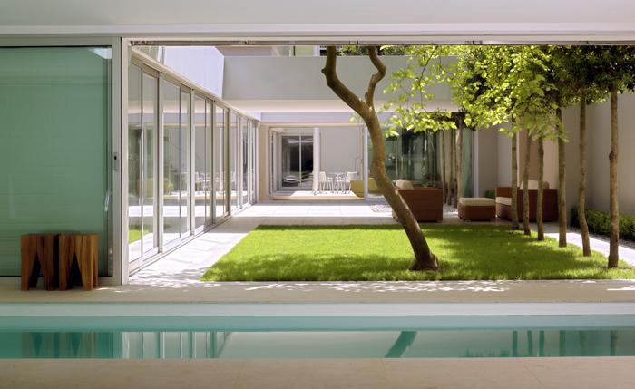 atriumhaus in m nchen harlaching muenchenarchitektur. Black Bedroom Furniture Sets. Home Design Ideas